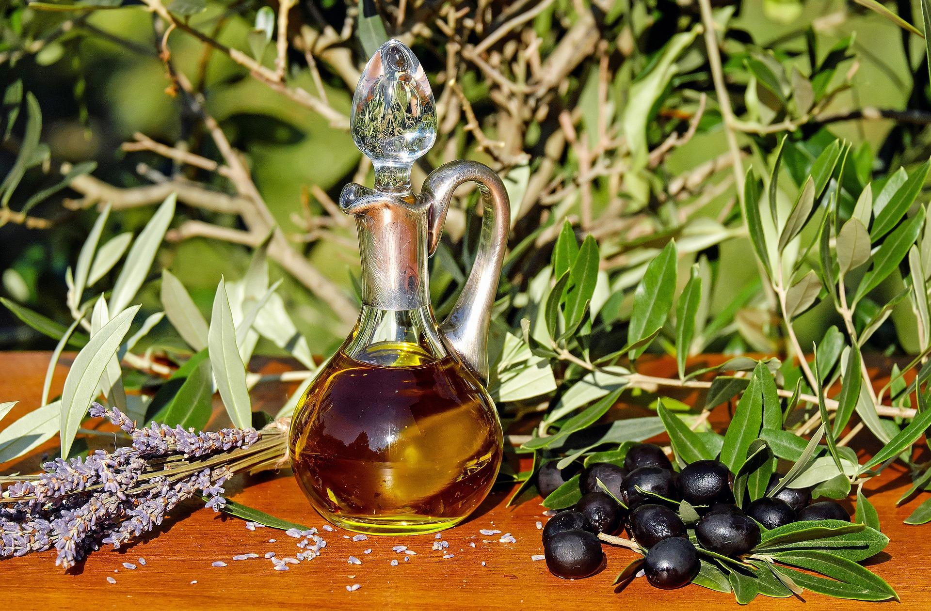 Olivenöl mit Flasche