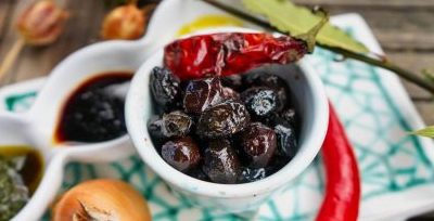 Griechische Oliven in Rohkost-Qualität