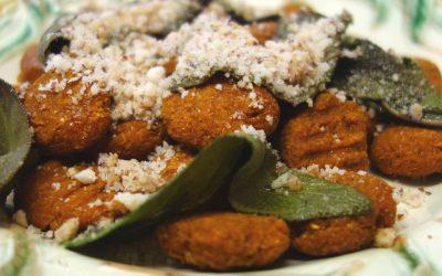 Süßkartoffel-Gnocchi mit Salbei und Paramesan